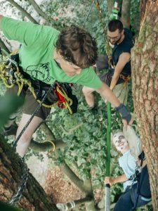 Schnupperklettern, Spaß im Baum - Quelle: T. Knorr